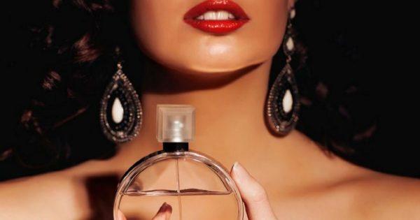 ¡Los 10 aromas femeninos más sexys de todos los tiempos! Perfumes que volverán loco a cualquier hombre.