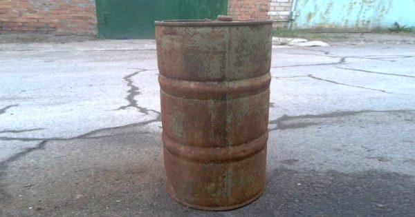 Cómo hacer muebles para el hogar con barriles de metal