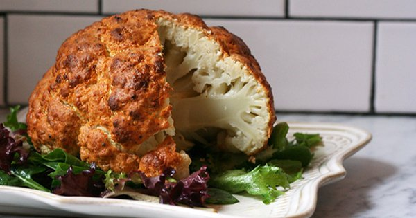 ¡Gracias a esta deliciosa receta de coliflor al horno, te convertirás en el rey de la cocina!