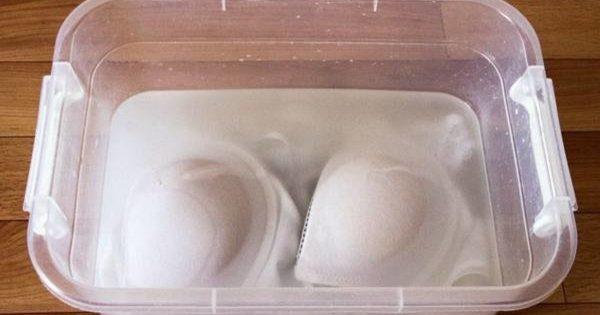 Cómo devolver la blancura a un sostén opaco o manchado.