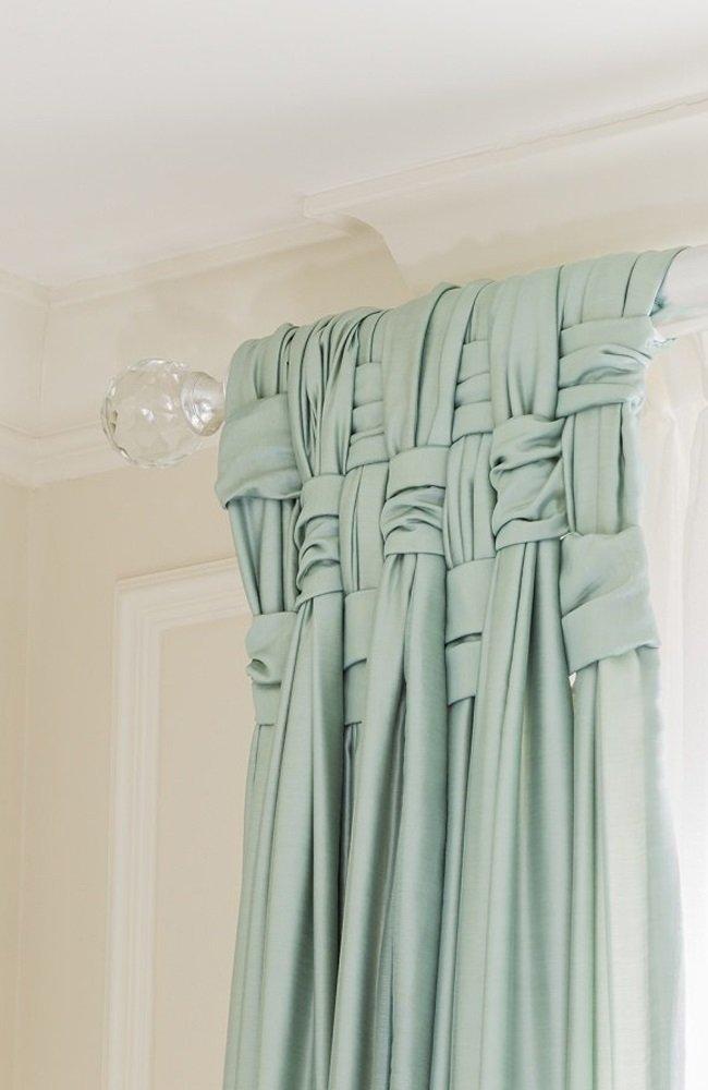C mo colgar cortinas en la cornisa for Ganchos para recoger cortinas