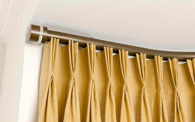 C mo colgar cortinas en la cornisa for Como poner ganchos cortinas
