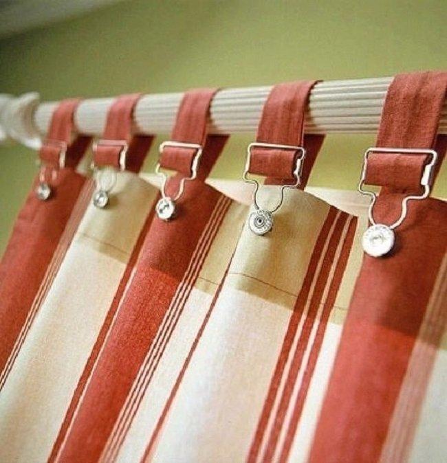 Cómo colgar cortinas en la cornisa
