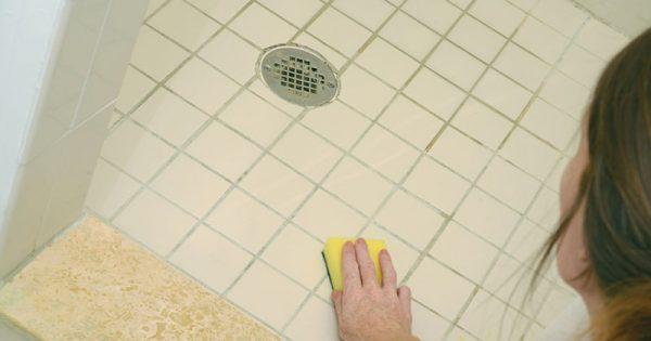 Elimina cualquier suciedad de la baldosa sin dejar rastro. ¡Una receta simple con un resultado asombroso!