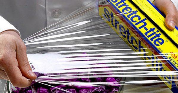 ¡Envoltura de plástico, señoras y señores! 13 maneras de usar este material milagroso.