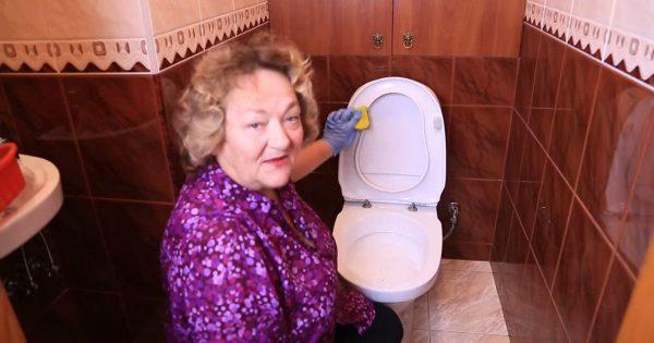 Cómo limpiar tu baño con remedios caseros