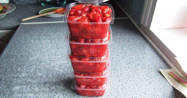 Cómo congelar correctamente las fresas y bayas para el invierno
