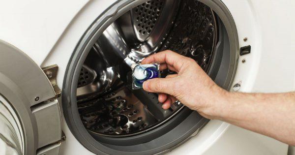 ¿Por qué no usar cápsulas cuando se lava en una lavadora? He aquí algunos inconvenientes.