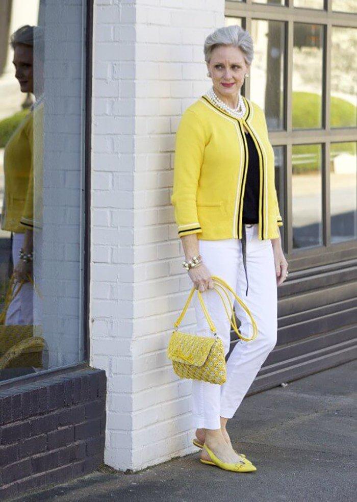 Vestidos modernos para mujeres de 50