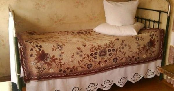 ¿Qué sucederá si duermes en la cama o el sofá de un pariente que ya partió al más allá? Después de todo, el difunto…