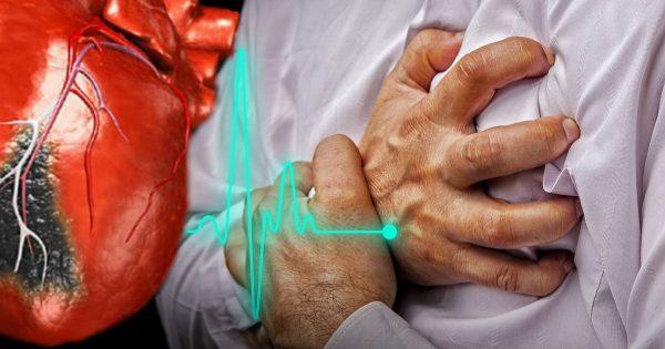 ¿Qué hacer si un ataque al corazón te sorprende cuando estás solo? 2 minutos que te salvarán la vida…
