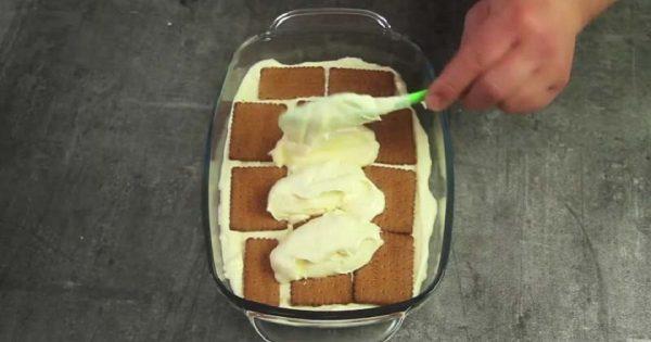 Olvídate del tiramisú: pastel de galletas sin hornear